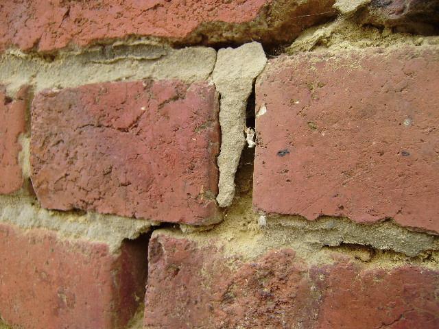 joints abimés brique