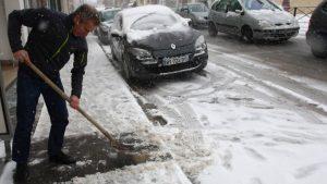 déneigement trottoir en hiver